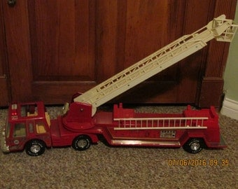 Nylint Aerial Hook and Ladder Fire Engine Truck