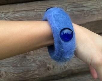 Felted bracelet - blue