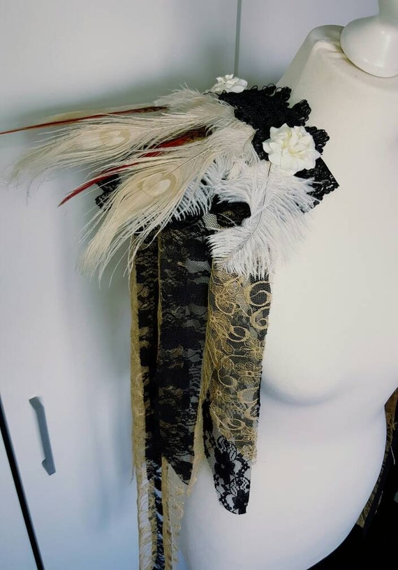 Schulterepaulleten - shoulder pads-Shoulderpads of ivory peacock gold ready to ship *.