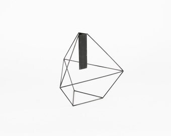Triangular Bitrapezoidal Vase 6:4 - Handmade Wireframe Decor - JY DesignLab