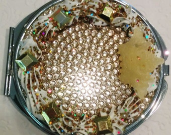 Gold decoden style compact mirror