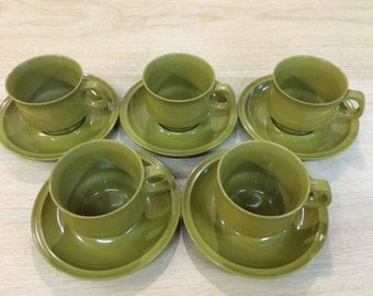 Vintage Retro Bessemer Melmac  5 x  Cups and Saucers - Green