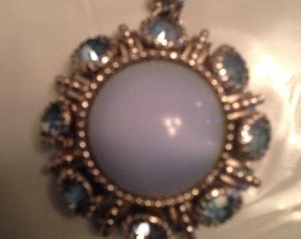 Vintage Avon Blue moonstone pendant necklace