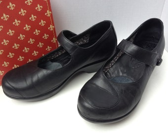 Shoes, Dansko, size 40, Mary Janes, black leather