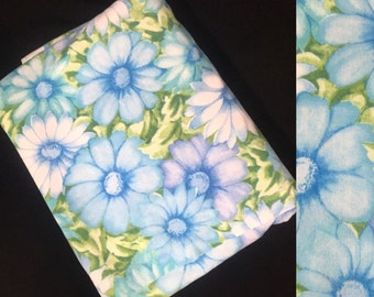 Twin Size | Flat Sheet | Cannon Monticello | Blue Daisy