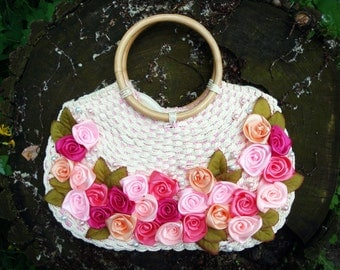 summer bag with roses of satin ribbons