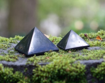Set of 2 shungite pyramids Karelia, magic stone, crystal, harmonizer, Reiki,  amulet, aura, EMF Protection