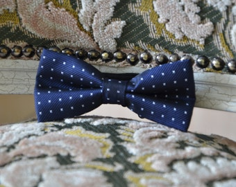 Navy blue with white dots handmade bow tie,men's bow tie, men bow tie, bow tie for men, wedding bow tie, groomsmen bow tie, bowtie, gift