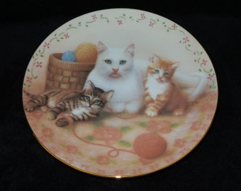 "1988 American Artists Cats for Cat Lovers ""The Royal Family"" Collector Plate by Susan Leigh"