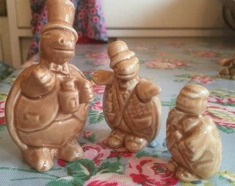 Vintage family of pot tortoises