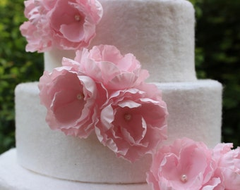 Wild Rose Wedding Cake Toppers. Flower Cake Topper. Wild Flower Wedding Cake. Sugar Flowers. Wedding Cake Flower Decoration. Pink Rose Cake.