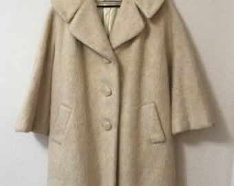 1960s VINTAGE LILLI ANN mohair swing coat