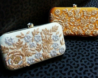 Floral Pattern Embroidered Party Clutch
