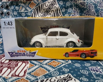 Rare Diecast VW Bettle White  1/43 - collector edition - nice detail