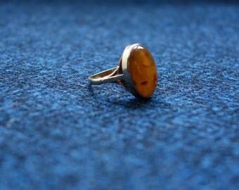 9k 9ct Gold Amber Ring