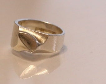 Lapponia solid sterling silver ring (by Bjorn Weckstrom) made in 1976.