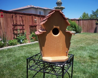 Handcrafted cedar birdhouse  #103 FREE SHIPPING