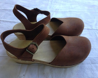 Sven Low Heel Mary Jane Clog Size 38