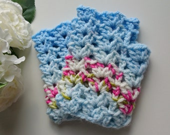 Floral Inspired Fingerless Gloves/ Ladies Fingerless Gloves/ Lace Fingerless Gloves/ Pretty Womens Gloves