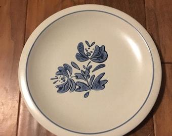 Vintage Pfaltzgraff Yorktowne Dinner Plates - Set of 2