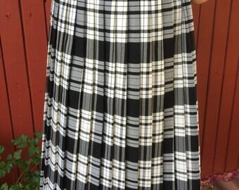 Tartan Plaid Skirt Elastic Women's Pleated Skirt White&Black Checkered Midi Skirt Medium Size