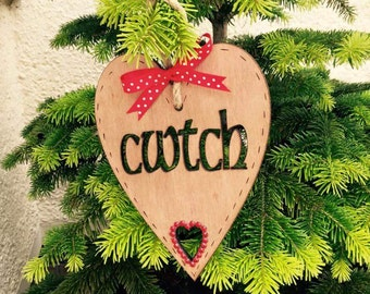 Cwtch wooden heart