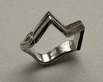 """Aquarius"", 925, cast sterling silver ring."