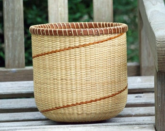 8-inch Tall Boy Nantucket-style basket with raw umber detail
