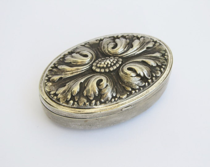 Vintage pill box, small travel box for trinkets, jewelry, paper inlaid snuff box. Acanthus leaf metal box