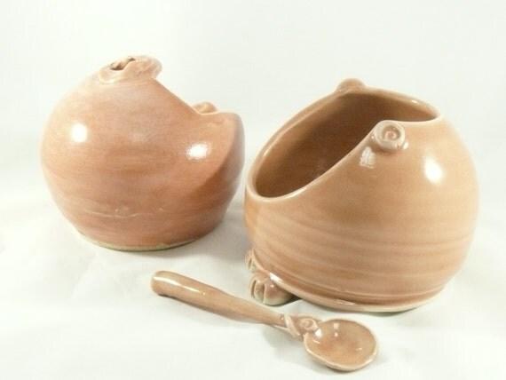 Sugar Bowl, French salt pig with spoon in peach, salt keeper, Handmade ceramic salt holder, Cellar, ceramics and pottery, bath salts bowl