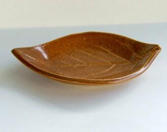 Ceramic Spoon Rest/Plate Persimmon Leaf Plate