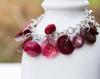 Burgandy Button Charm Bracelet - Vintage Button Bracelet - Shabby Chic Bracelet - Upcycled Button Jewelry - Charm Bracelet - Unique Bracelet