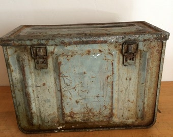 Vintage Ammo Cannister, Box 1944 WW II