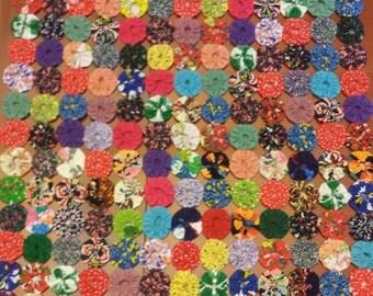"""YoYo Quilt 18"""" by 25"""" multicolor"""