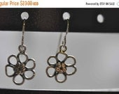 moving sale Sterling Silver Daisy Earrings