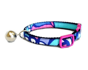 Kitten or Cat Collar Made from Lilly Pulitzer SEA JEWELS Fabric on Navy (Breakaway Buckle) with Bow Option