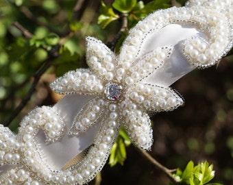 Beaded pearl bridal belt; pearl style wedding ribbon; vintage inspired sash mounted on ivory satin wedding ribbon, elegant wedding accessory
