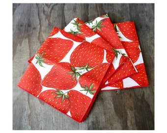 4 Vintage Napkins - Giant Strawberries Pattern