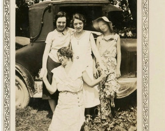 vintage photo 1930 Lady Madonna Arms Outstretched Holding Girls Hands