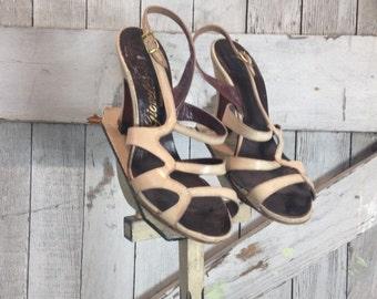 On sale 1940s biege heels 40s bone shoes size 5 strappy heels vintage sandals