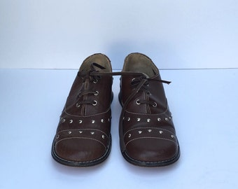 Vintage 60s studded oxford shoes  SIZE 5.5 - 6 US