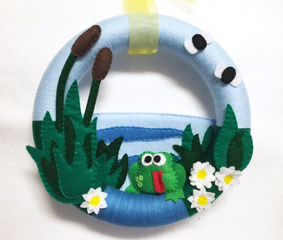 Frog Wreath, Summer Wreath, Front Door Decoration, Frog Pond, Dale the Frog, Cattails, Felt and Yarn Wreath