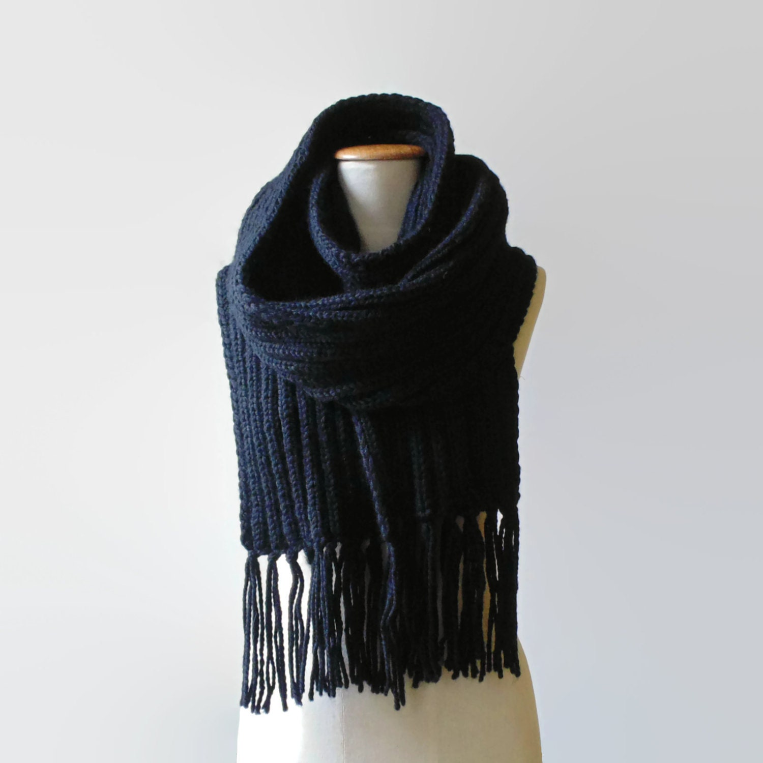 Discover scarves for women at ASOS. Shop our range of scarves, from head and cashmere scarves to snood, tartan and oversized scarves for all occasions. ASOS DESIGN Twist Block Headscarf In Black. £ ASOS DESIGN long tassel scarf in supersoft knit. £ Glamorous check thick tassel scarf.