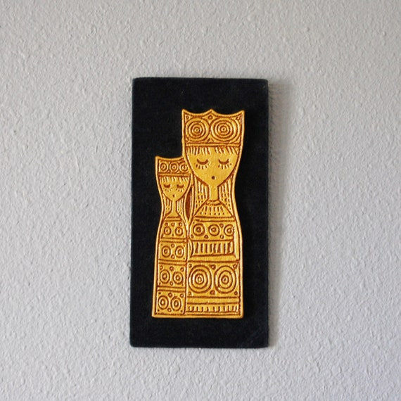 Vintage Gold Queen And Child Mod 1960s Wall Decor Blue Velvet