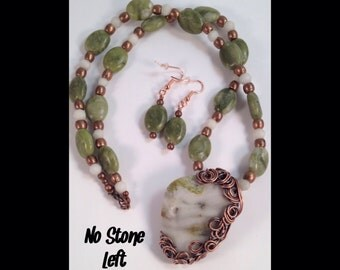 Special! Serpentine and Snow Quartz beaded necklace and earrings set