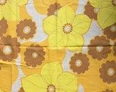 Seventies vintage floral fabric - 105x45 cm.