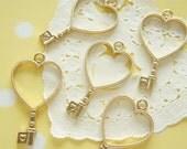 5 pcs Key  Open Bezel Charm for Resin Filling (25mm41mm) Heart AZ223