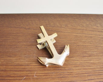 Vintage brass anchor paper clip