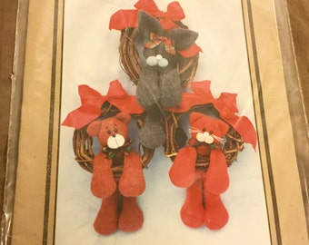 Bear, Bunny, Kitty  Doll Pattern  Uncut Vintage  Wreath Decoration