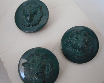 Set of 3 VINTAGE Lion Head Green Plastic BUTTONS
